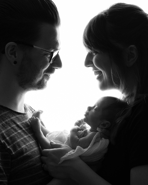 Newborn baby photshoot with parents